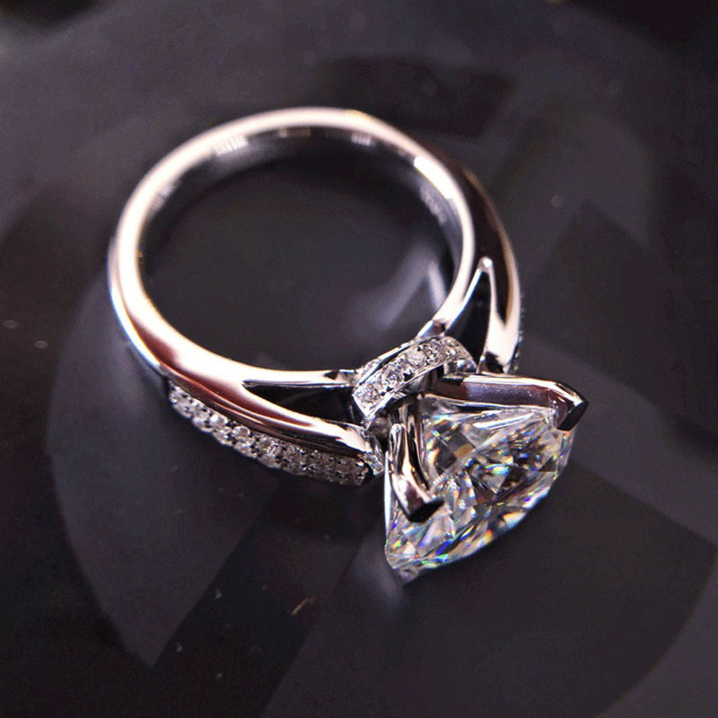 1.60Ct Near White Moissanite Pave Engagement & Promise Ring 925 Sterling Silver