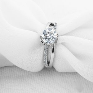 1.60Ct Real White Brilliant Moissanite Engagement & Valentine Day Ring 925 Sterling Silver