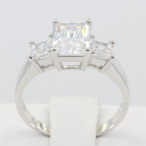 3.12Ct Radiant Cut VVS1 Diamond 3 Stone Engagement Ring Solid 14k White Gold