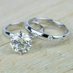 2.20 Ctw Near White Brilliant Cut VVS1 Moissanite Engagement Ring Band 14k Gold Plated