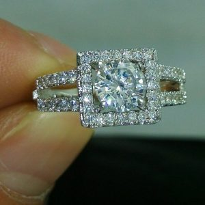 1.43CT Near White Round Moissanite Unique Halo Engagement Ring 925 Starling Silver